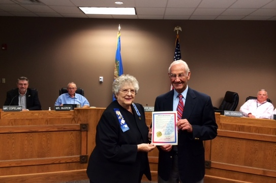 Picture of Bartlesville Chapter Regent Barbara Fulton and Vice Mayor Ted Lockin after his signing of a  proclamation designating Sept. 17-Sept. 23 as Constitution Week.